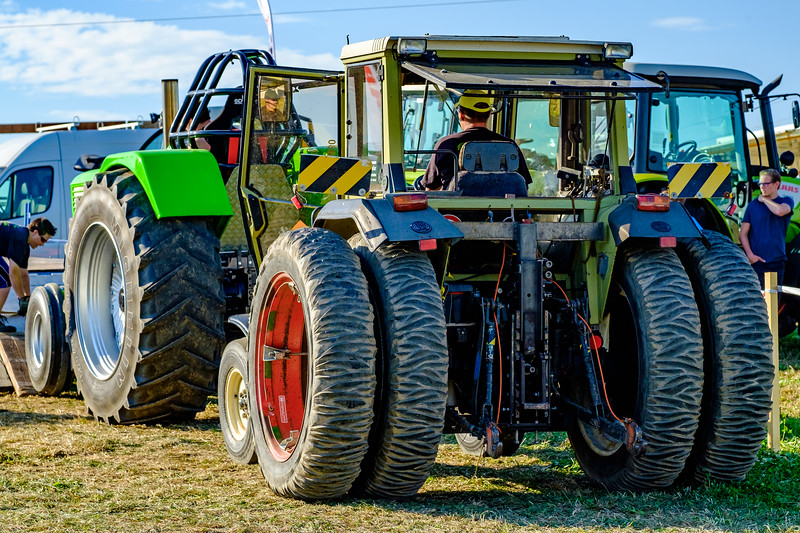 Tractor Pulling 2015-1930.jpg