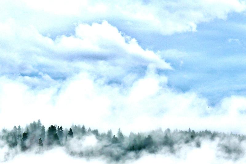 Cloudy_Mountain_HDR2.jpg