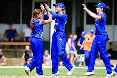 Eden Carsons celebrates taking a wicket with team mates Otago Sparks Vs Northern Mystics at Molyneux Park in Alexandra.  30 December 2018.  Images copyright:  Clare Toia-Bailey / www.image-central.co.nz