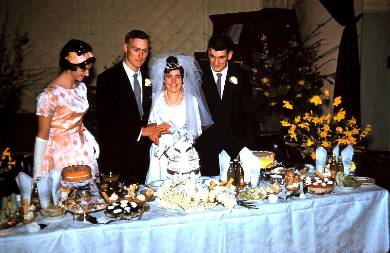 1961-8-19 (36) Elaine, Graham, Mary & Nigel.JPG