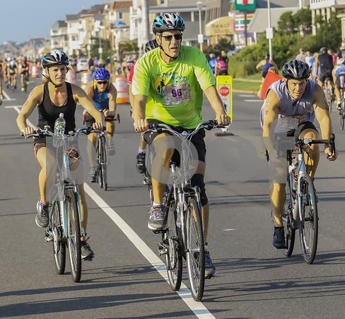 Bikes Near Finish 0759 - 0802am (114)