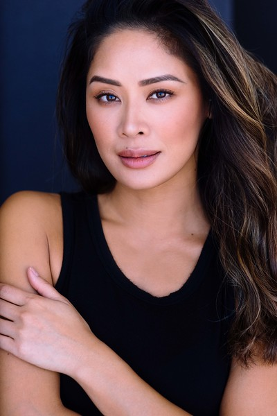 """@sophiale 5'4""""   Shirt Small   Pants 25   Bust 32B   Shoe 7  105lbs Ethnicity: Vietnamese, Chinese Skills: Experienced Commercial Actress, Enjoy working out, and Improv Training"""