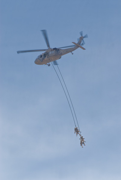 Extraction from a Blackhawk Helo2