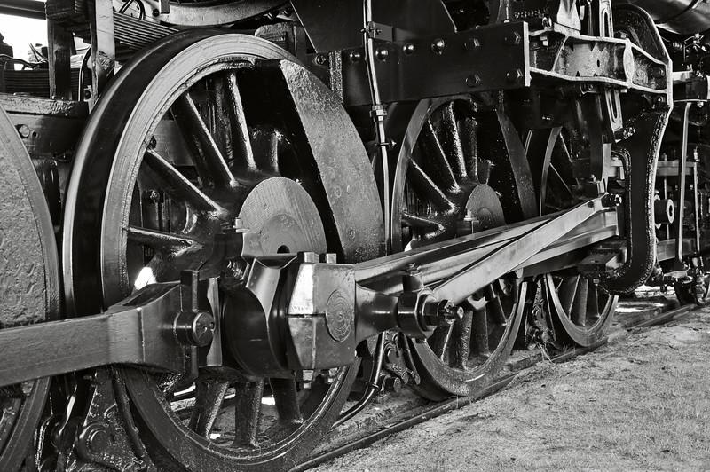 Train Wheels 01.jpg