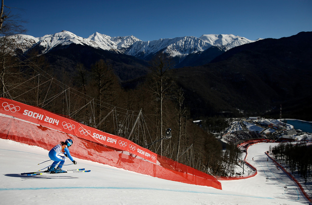 . Elena Fanchini of Italy skis during the Alpine Skiing Women\'s Downhill on day 5 of the Sochi 2014 Winter Olympics at Rosa Khutor Alpine Center on February 12, 2014 in Sochi, Russia.  (Photo by Ezra Shaw/Getty Images)