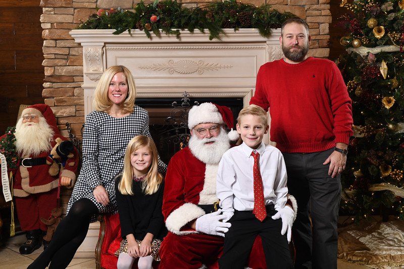 Santa2018.TylerBoye.-67.jpg