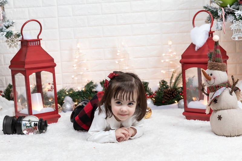 12.21.19 - Fernanda's Christmas Photo Session 2019 - -38.jpg