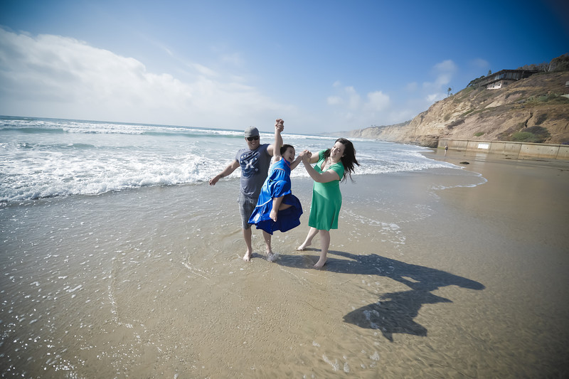 beach family (26 of 18).jpg