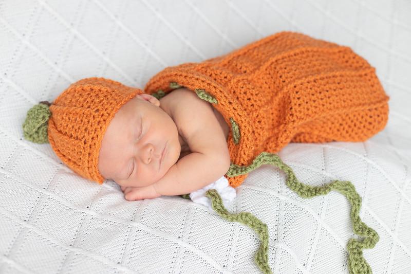 Beckett Newborn-46.jpg