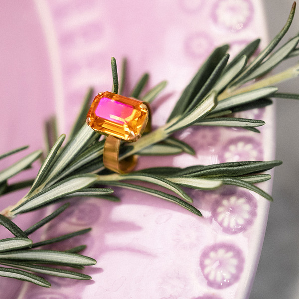 lydia-ring-gold-astral-pink.jpg