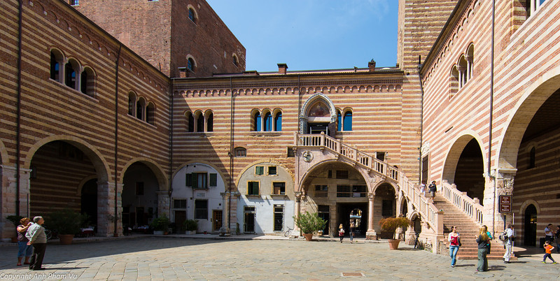 Uploaded - Nothern Italy May 2012 0280.JPG