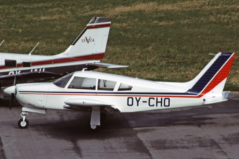 OY-CHO-PiperPA-28R-200CherokeeArrowII-Private-EKSB-2000-02-08-GW-47-KBVPCollection.jpg
