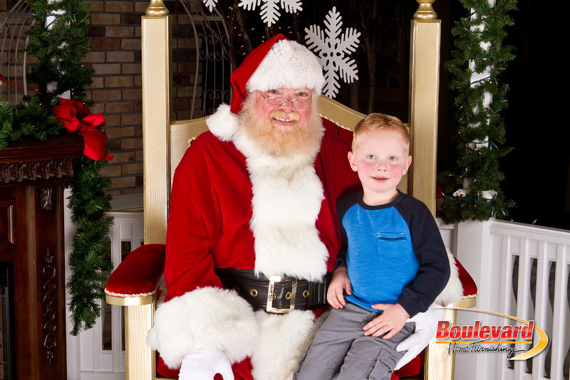 Santa Dec 8-231.jpg