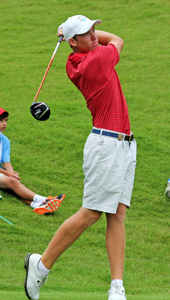 Robby Shelton IV of Wilmer, AL hits his first tee shot during the match play portion of the 111th Western Amateur at The Alotian Club in Roland, AR. (WGA Photo/Ian Yelton)