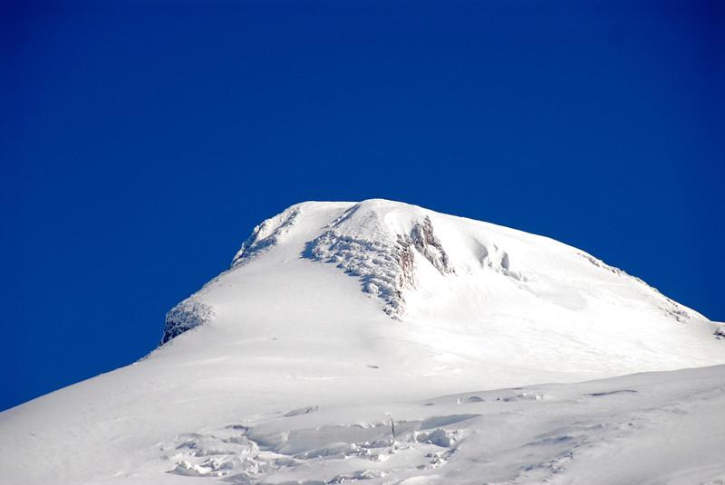 080502 1723 Russia - Mount Elbruce - Day 2 Trip to 15000 feet _E _I ~E ~L.JPG