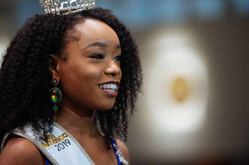 20191110_Miss Indiana Send Off-0111.jpg