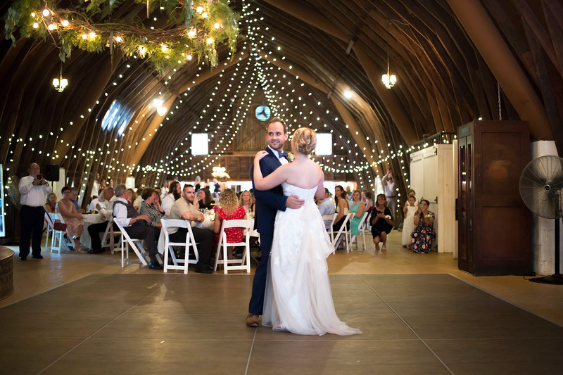 Garrett & Lisa Wedding (568).jpg