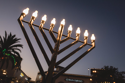 Outlets at San Clemente Menorah Lighting 2017