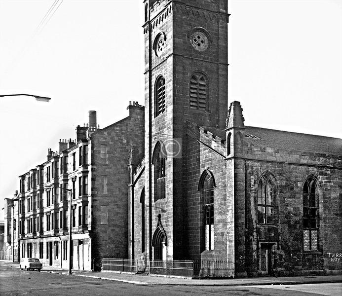 Golspie St and Logie St.  Elderpark Parish Church.     February 1974