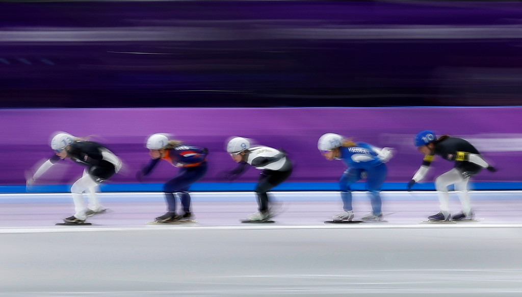 . Mia Manganello of the U.S., bronze medalist Irene Schouten of The Netherlands, gold medalist Nana Takagi of Japan, silver medalist Kim Bo-reum of South Korea, and Heather Bergsma of the U.S., from left to right, compete during the women\'s mass start final speedskating race at the Gangneung Oval at the 2018 Winter Olympics in Gangneung, South Korea, Saturday, Feb. 24, 2018. (AP Photo/Vadim Ghirda)