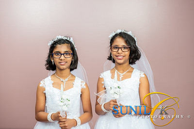 Aneeta and Mereeta Mudiyoorkunnel Holy Communion