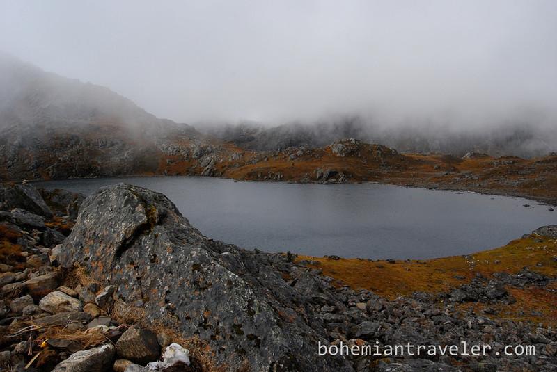 the lake near Laurebina Pass.jpg