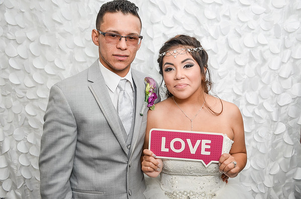 Gisenia & Carlos Photo Booth Pictures