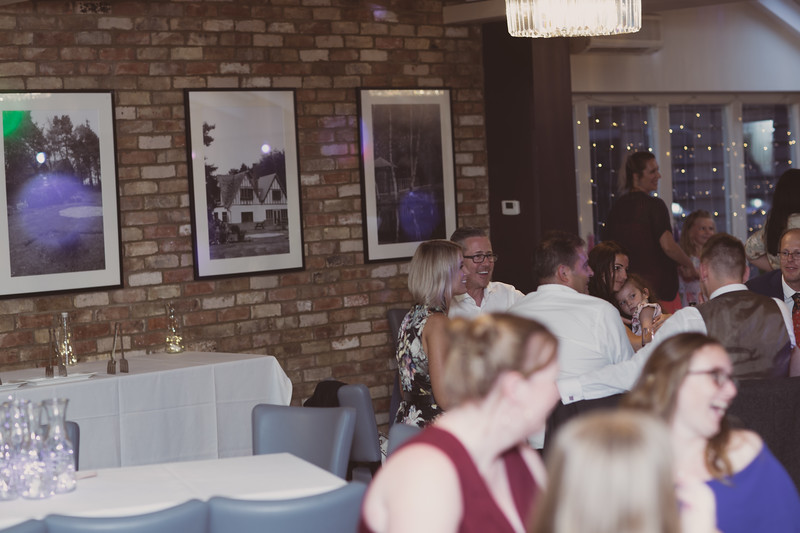 Sam_and_Louisa_wedding_great_hallingbury_manor_hotel_ben_savell_photography-0255.jpg