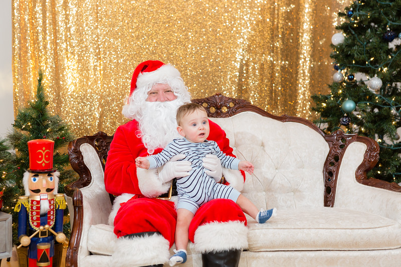 FADS Picture with Santa-229.jpg