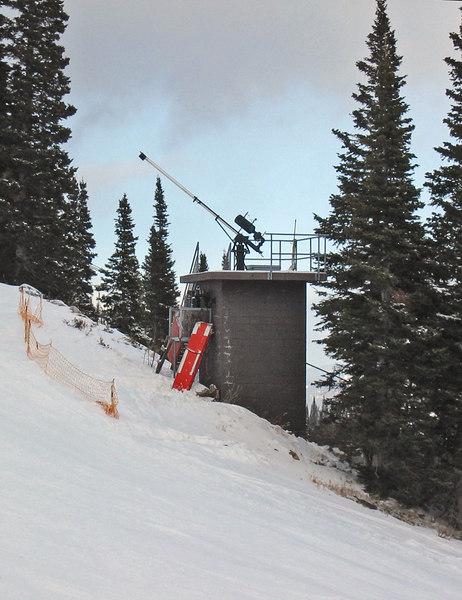 Avalanche gun on Jackson Hole mountain resort   (Dec 11, 2006, 03:35pm)