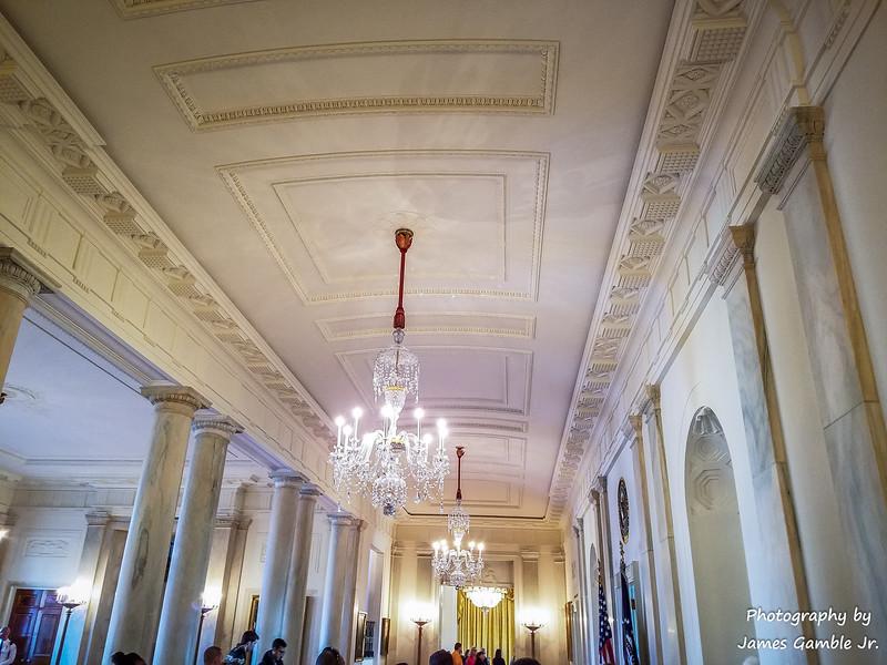 White-House-Tour-120925.jpg