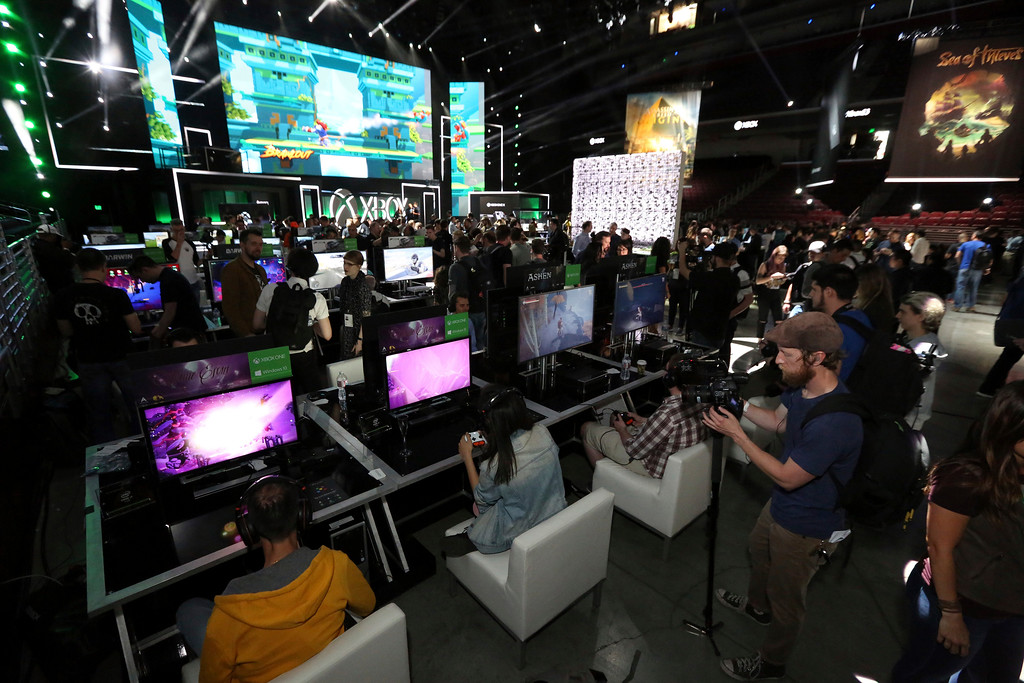 . IMAGE DISTRIBUTED FOR MICROSOFT - Gamers interact with newly announced games and experiences at the Xbox Media Showcase at E3 2017 in Los Angeles on Monday, June 12, 2017. (Photo by Casey Rodgers/Invision for Microsoft/AP Images)