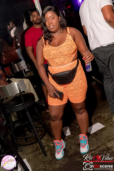 GAL FARM THURSDAYS PRESENTS IT'S GLOW NEON EDITION-114.jpg