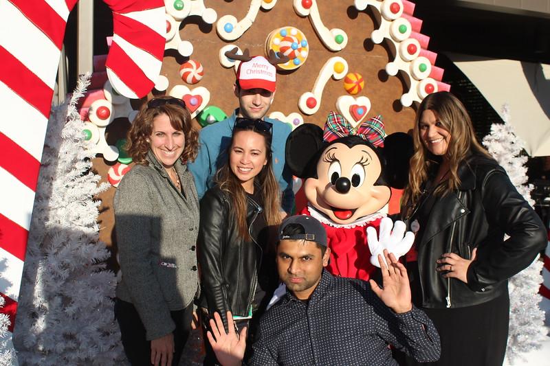 Walt_Disney_Imagineering_Holiday_2017_Individuals_ (30).JPG