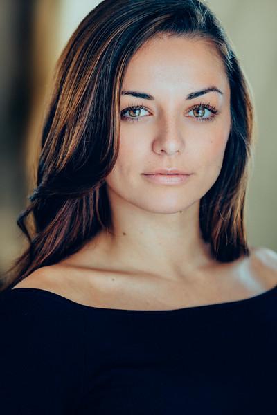 Kellie Gnauck headshot by Greg Veit_100-Edit-3.jpg