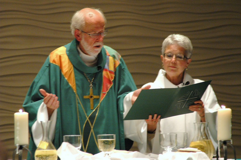 Presiding Bishop Mark S. Hanson and Julie Aageson, Coordinator of ELCA Resource Centers, Communication Services