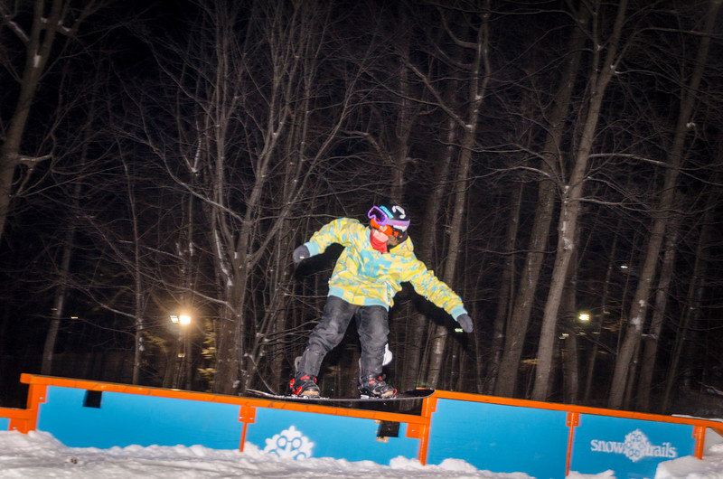 Nighttime-Rail-Jam_Snow-Trails-27.jpg