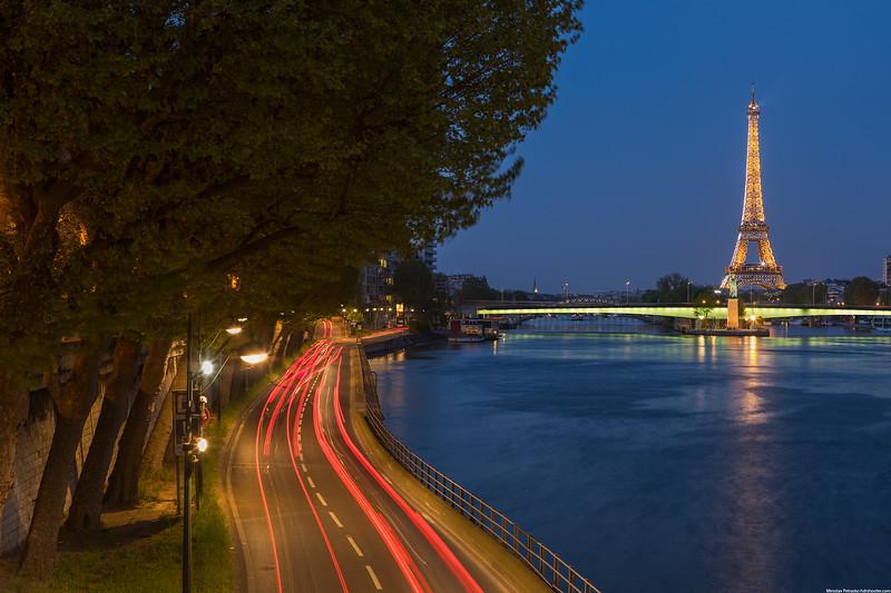 Sparkling-Eiffel-tower-2736x1824.jpg