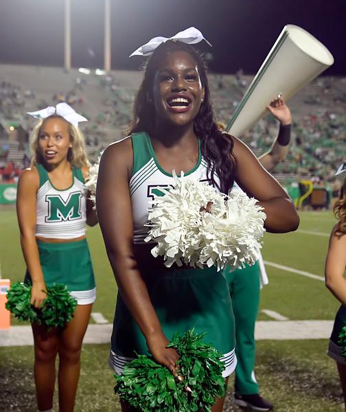 cheerleaders8874.jpg