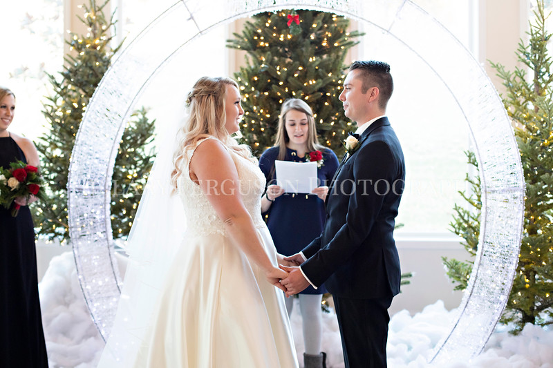 Hillary_Ferguson_Photography_Melinda+Derek_Ceremony079.jpg
