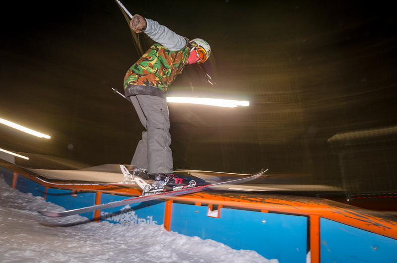 Nighttime-Rail-Jam_Snow-Trails-202.jpg