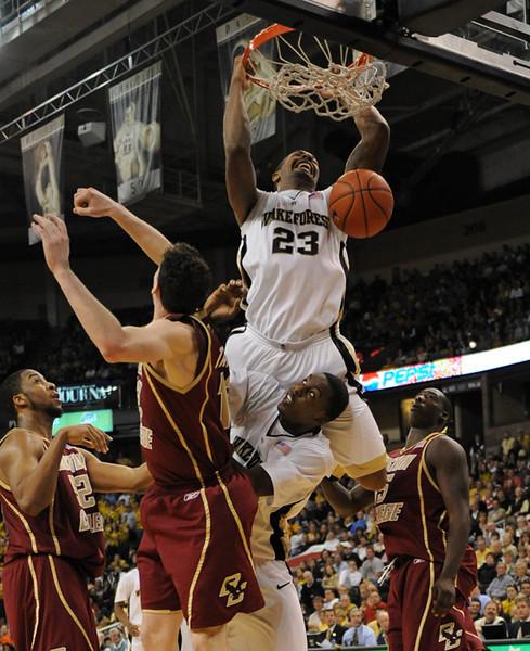 Johnson dunk 02.jpg