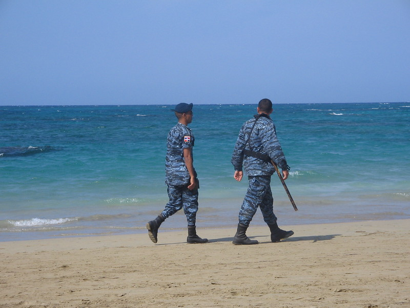 guards-walking-the-beach-over-easter-weekend_1807973695_o.jpg
