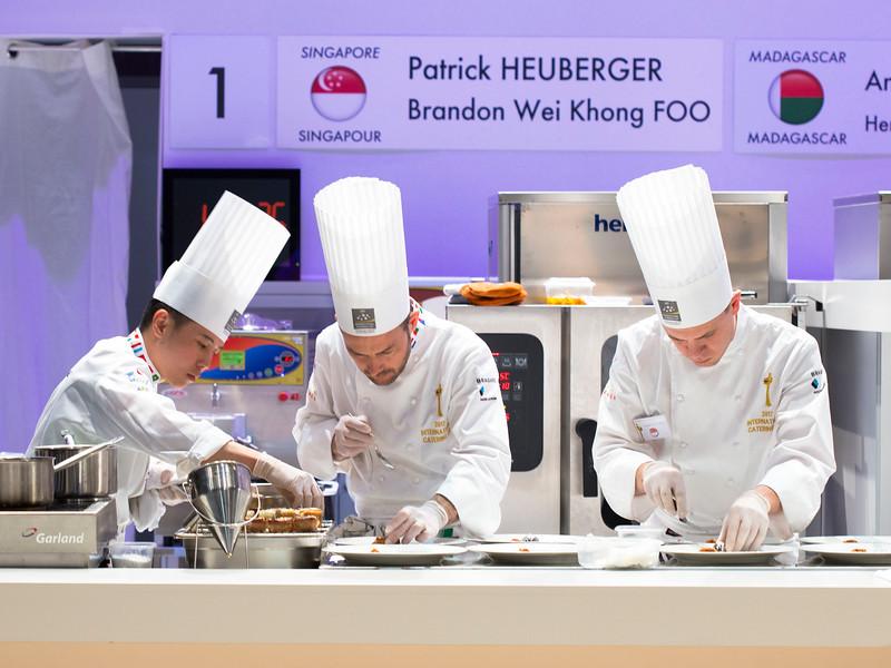 L'équi de Singapour composée de Patrick HEUBERGER et Brandon Wei Khong FOO à l'oeuvre