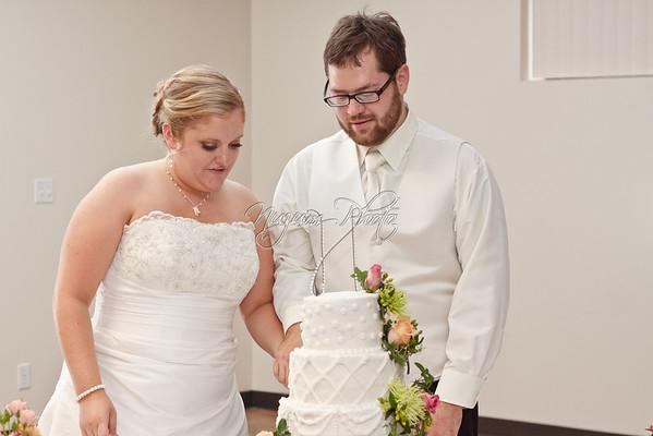 Cake Cutting - Sarah and Erik