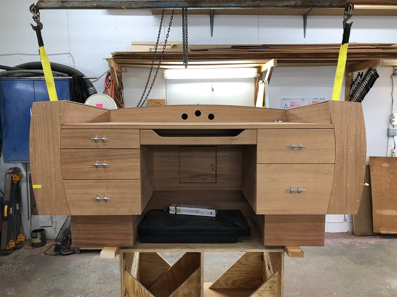 Front view of the desk with the base mounted.