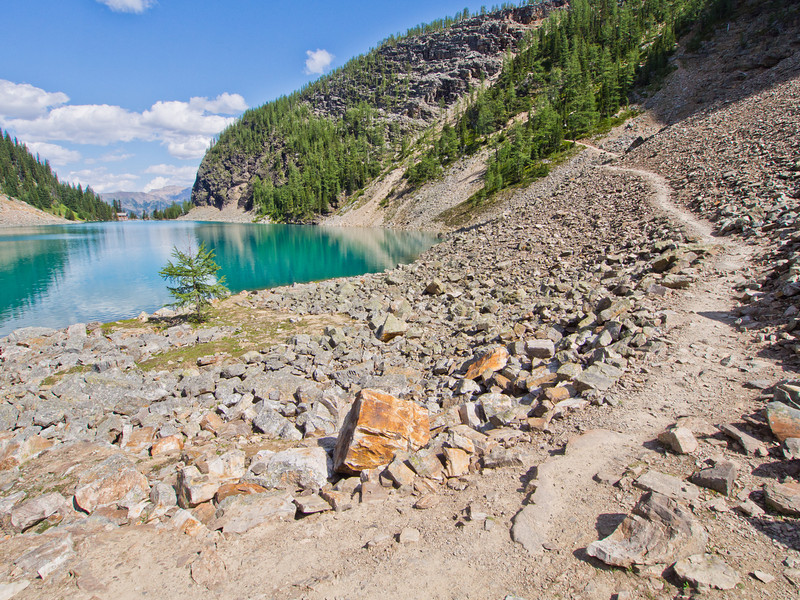 Lake Agnes trail towards Big Beehive