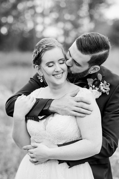 rustic_ohio__fall_barn_wedding-269.jpg