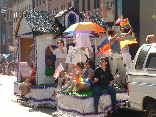 Pride Parade 2001-32.jpg