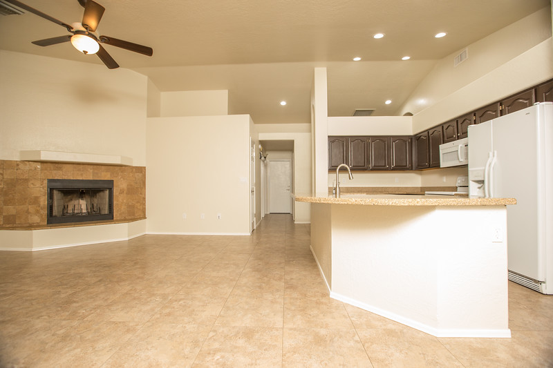 Kitchen dining area.jpg